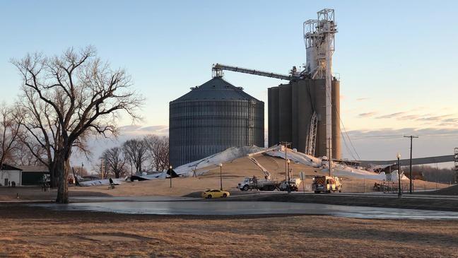Grain bin collapses in La Grange   KHQA
